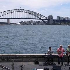 BEGINがシドニーでCM撮影中。
